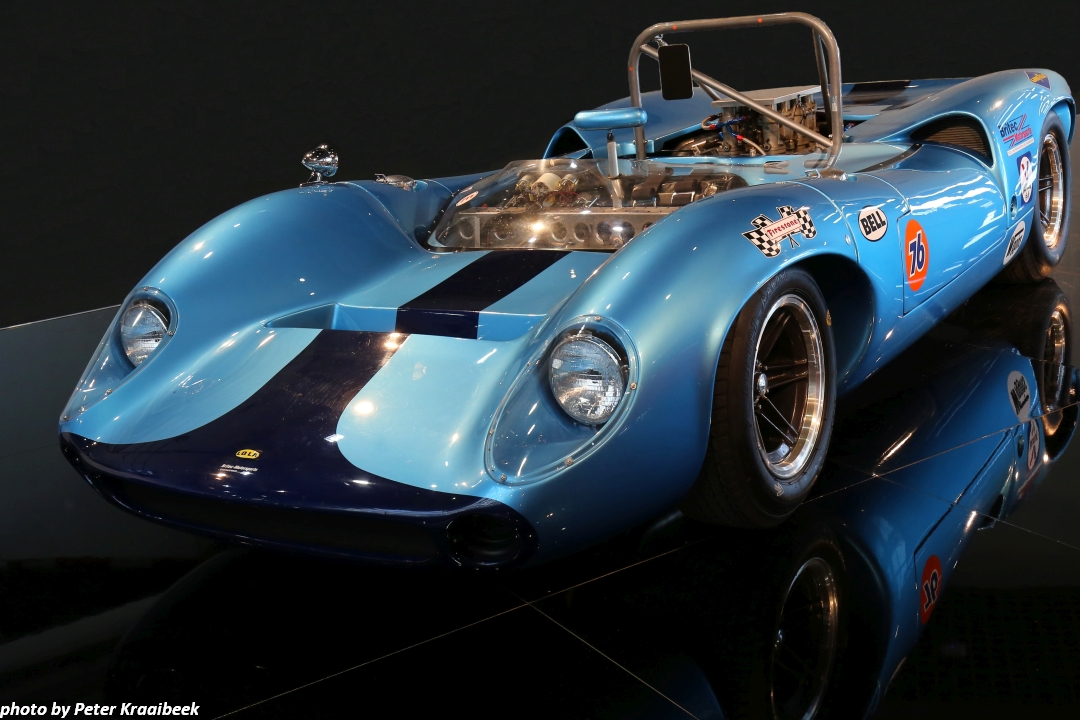1966 Lola T70 Mk II Spyder fährt auf der Spa-Classic mit